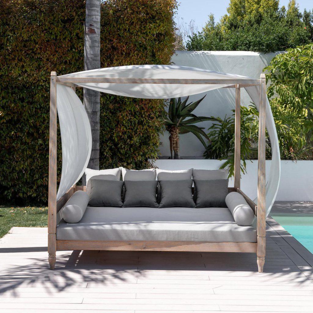 letto-baldacchino-legno